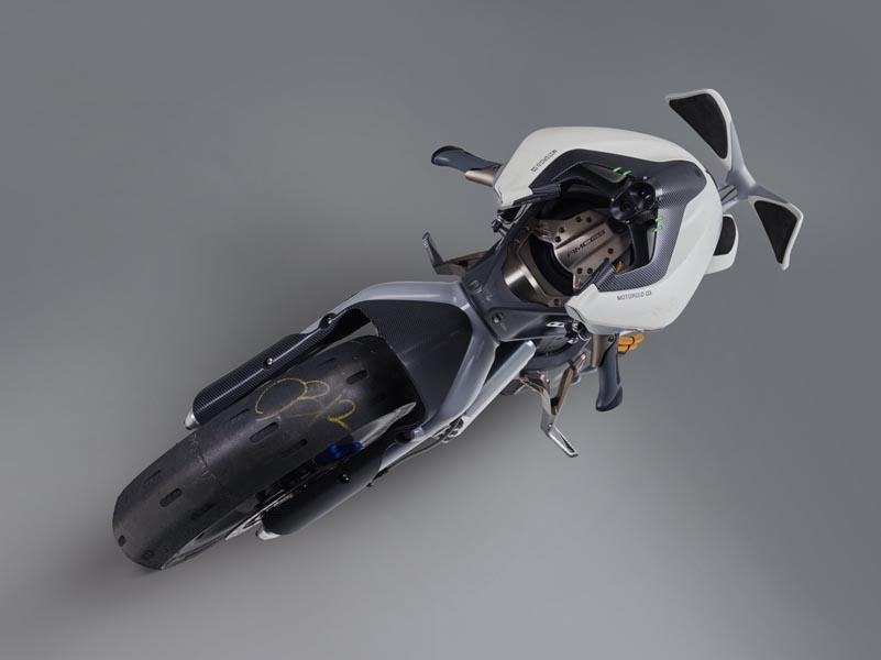 06  MOTO ROiD