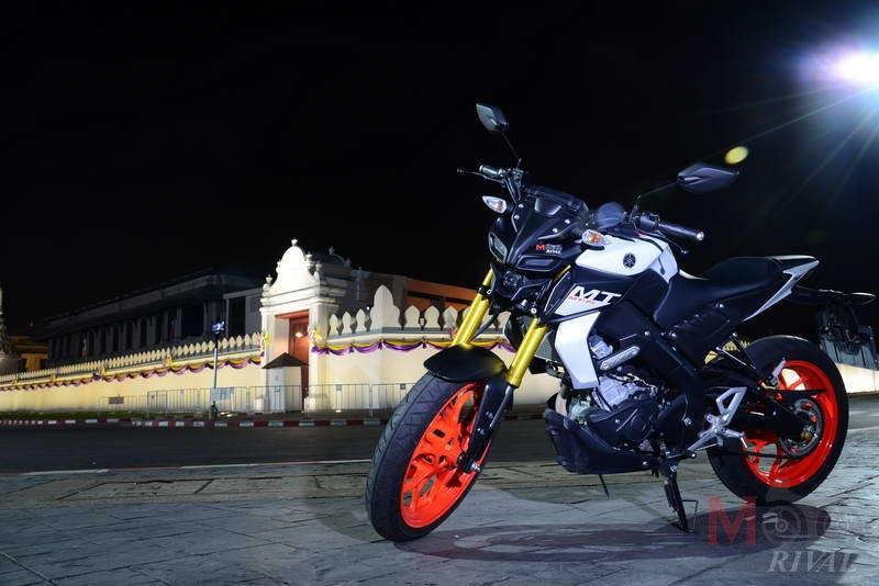 Yamaha-MT-15-Night-Life_04
