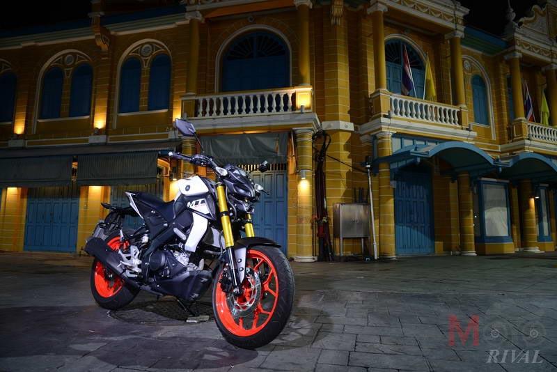 Yamaha-MT-15-Night-Life_05