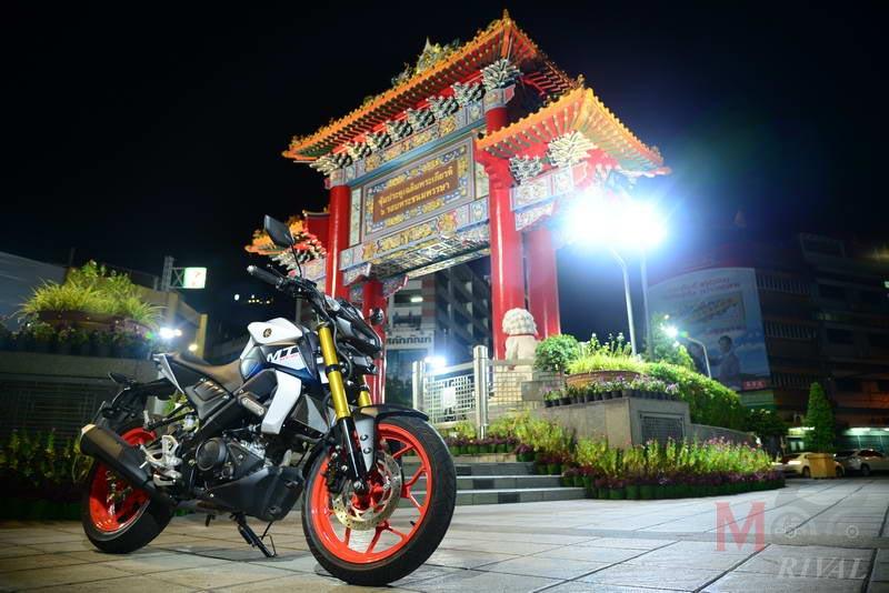 Yamaha-MT-15-Night-Life_07
