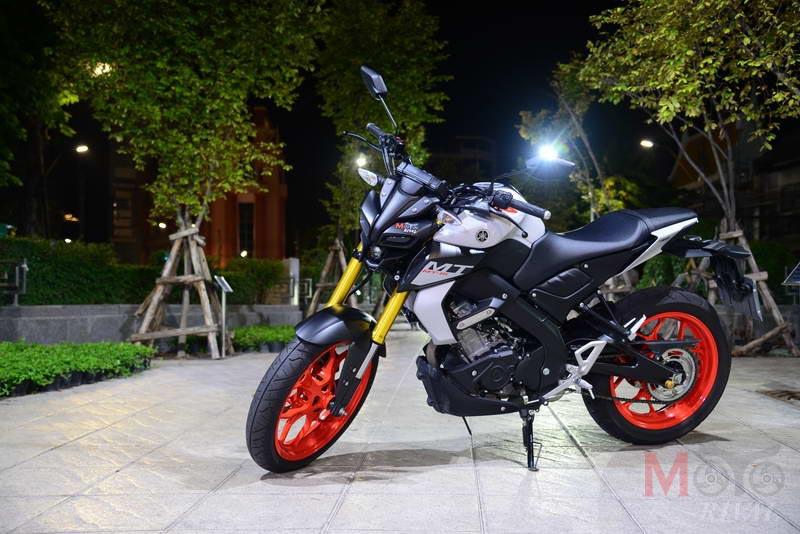 Yamaha-MT-15-Night-Life_11