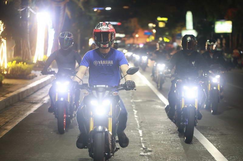 Yamaha-MT-15-Night-Life_13